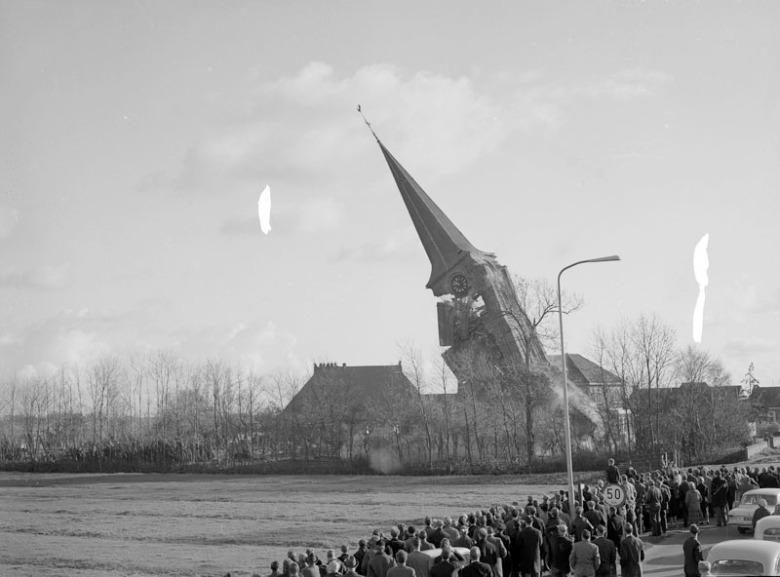 De kerk wordt gesloopt!